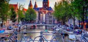 Scholarships for Short-Term Courses for Professionals in Economics and Politics in the Netherlands 2020