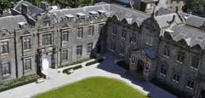 Bachelor Scholarships from University of St Andrews in UK
