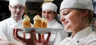 Job Opportunity in the UAE: Pastry Commis with Azadea 2020