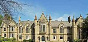 Undergraduate  Postgraduate Scholarships of £3000 from the University of Bradford in the UK 2020
